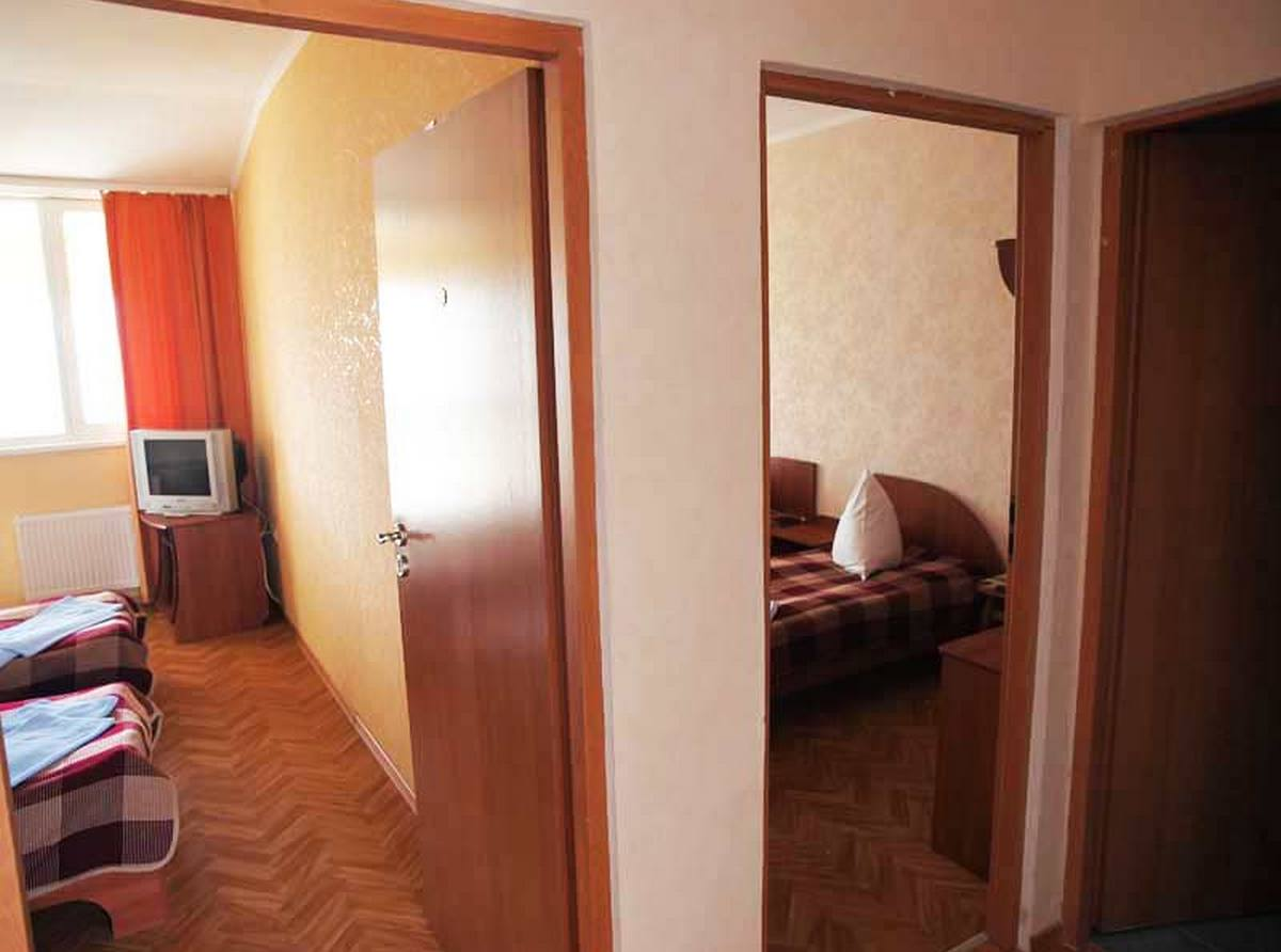 Снять гостиницу в Севастополе недорого